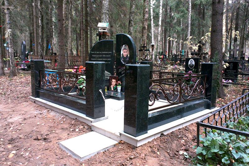 Изготовление памятников из мрамора щелково памятники из гранита цена евпатория